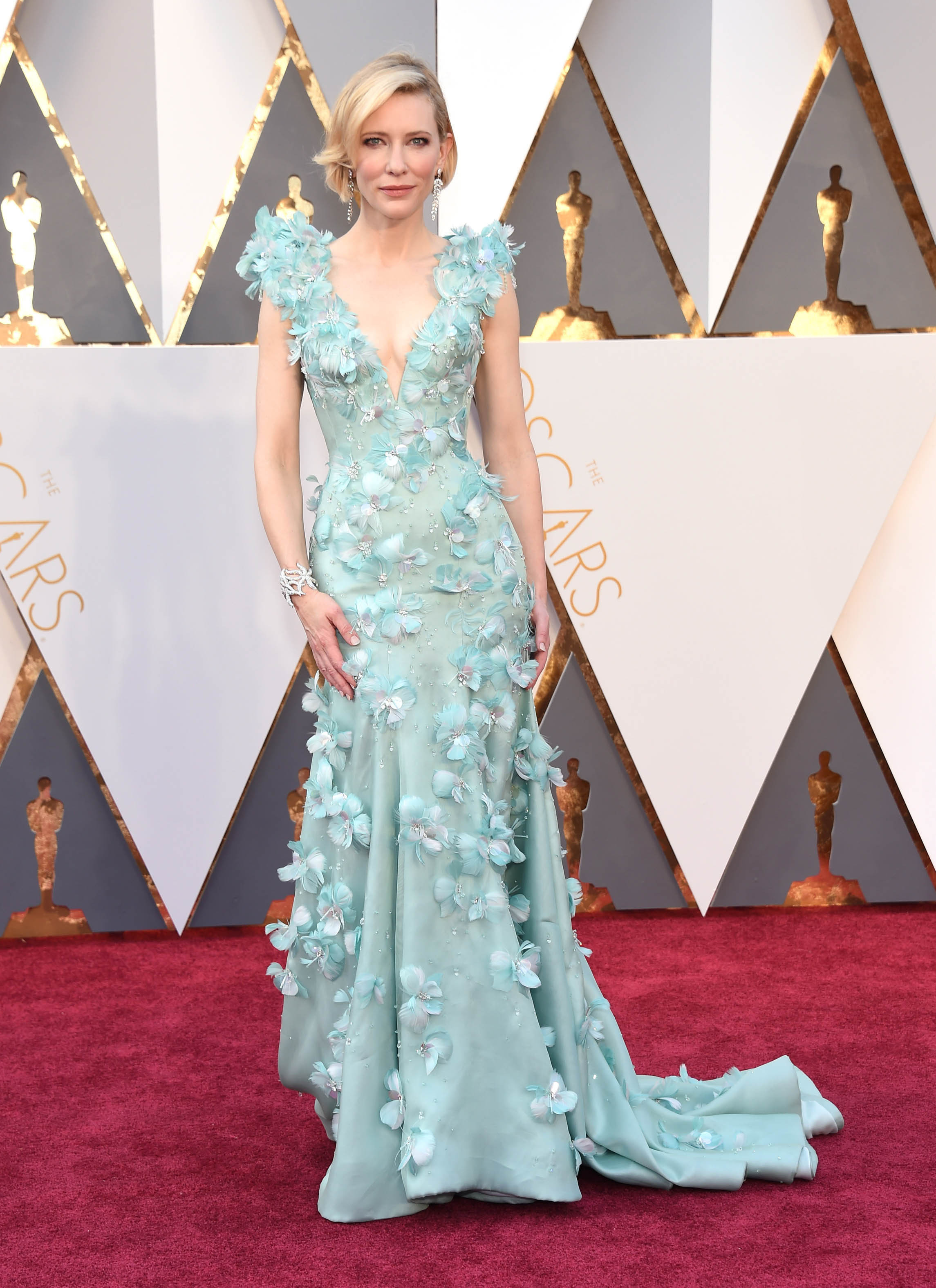 Photo by: KGC-11/starmaxinc.com STAR MAX Copyright 2016 ALL RIGHTS RESERVED Telephone/Fax: (212) 995-1196 2/28/16 Cate Blanchett at the 88th Annual Academy Awards (Oscars). (Hollywood, CA, USA)